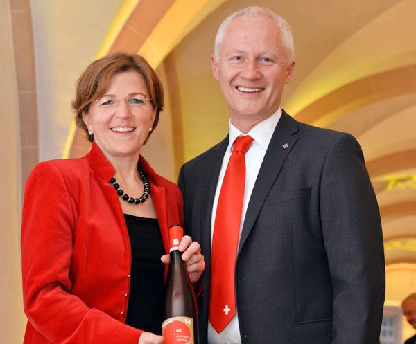 Passend gekleidet zum Motto der Gala 2017: Das Deutsche Küchenwunder: die Schweizer Stuben